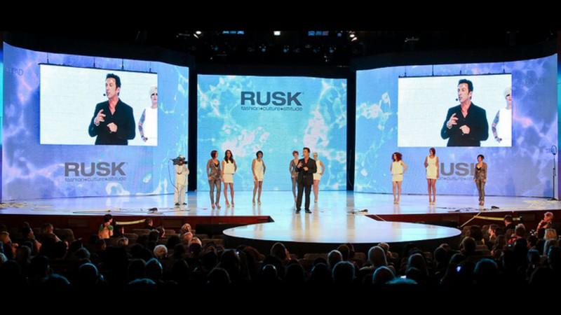 salon fashion (with a dash of spa-living), then the Premiere Orlando