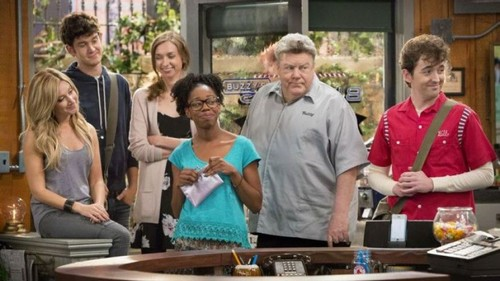 New Sitcom 'Clipped' Tries to Recreate the Magic of 80's TV Show 'Cheers'
